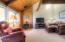 1000 SE Bay Blvd, 245-345, Newport, OR 97365 - Living Room b