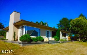 1916 NW 51st St, Lincoln City, OR 97367 - Great 1 level Home