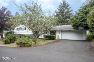 380 NE Edgecliff Dive, Waldport, OR 97394 - Exterior from Street