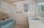 380 NE Edgecliff Dive, Waldport, OR 97394 - Bathroom (1280x850)