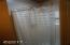 537 SW Ebb Ave, Lincoln City, OR 97367 - Shower