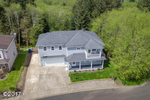2645 NE 49th Ct, Lincoln City, OR 97367 - Fabulous Front
