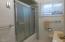 2310 NE 36th Dr, Lincoln City, OR 97367 - Bath