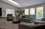 1128 NW Sunset Dr, Toledo, OR 97391 - living room