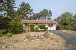 5445 El Prado Ave, Lincoln City, OR 97367 - One Level Home