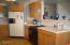 530 SW Coast Ave, Depoe Bay, OR 97341 - Kitchen cooking center