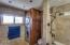 2627 SW Anchor Ave, Lincoln City, OR 97367 - Bathroom 2