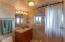 2627 SW Anchor Ave, Lincoln City, OR 97367 - Bathroom 3