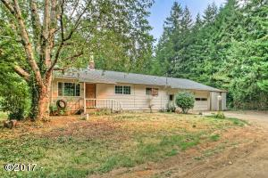 25 E Castle Rd, Waldport, OR 97394 - Front