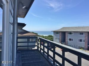 4229 SW Beach Ave, 38, Lincoln City, OR 97367 - Deck view