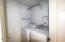755 NE Jeffries Pl, Newport, OR 97365 - Laundry