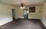 662 NE 8th Pl, Toledo, OR 97391 - Living Room