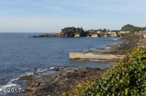 265 SW Coast Ave, Depoe Bay, OR 97341 - Ocean front.