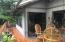 485 Lookout Dr, Gleneden Beach, OR 97388 - deck dining