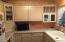 485 Lookout Dr, Lincoln City, OR 97367 - kitchen close up