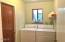 485 Lookout Dr, Gleneden Beach, OR 97388 - laundry room