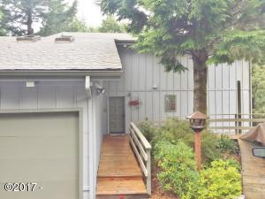 485 Lookout Dr, Lincoln City, OR 97367 - Exterior entry