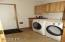 122 NW Sunset Way, Waldport, OR 97394 - Laundry