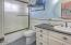 7055 NE Avery Street, Newport, OR 97365 - Bath off Downstairs bedroom