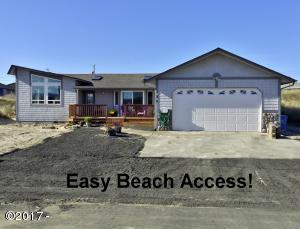 122 NW Sunset Way, Waldport, OR 97394 - Easy Beach Access!