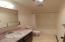 2415 NW Nye St, Newport, OR 97365 - Guest Bath