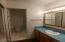 1000 SE Bay Blvd, 116, Newport, OR 97365 - Bathroom