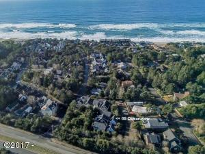 69 Ocean View St, Depoe Bay, OR 97341
