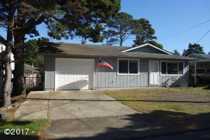 2166 NW Jetty Ave, Lincoln City, OR 97367 - Front of House