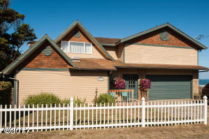 5817 NW Jetty Ave, Lincoln City, OR 97467