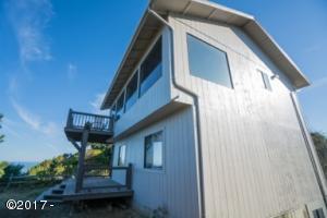 7305 Neptune, Gleneden Beach, OR 97388 - Ocean Front Home