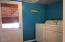 245 NE 10th St, Newport, OR 97365 - Laundry Room