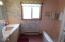 3605 NW Jetty Ave, Lincoln City, OR 97367 - Hallway bathroom