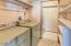 590 Coolidge Ln, 1, Yachats, OR 97498 - Laundry room