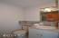 4240 Knoll Terrace, Neskowin, OR 97149 - Master Bath Lower