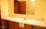 525 SW Alder St, Newport, OR 97365 - First floor bath