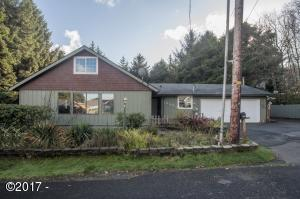 1030 SW 17th St, Lincoln City, OR 97367 - Exterior