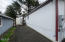 614 SE Port Ave, Lincoln City, OR 97367 - Driveway