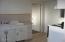 1148 SW Naterlin Dr, Newport, OR 97365 - bsmnt kitchen