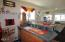 2054 NW 51st St, Lincoln City, OR 97367 - Wet bar