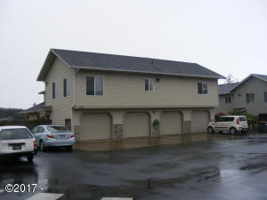 225 SW 30th St, Newport, OR 97365 - Unit #225 exterior