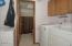 3414 NW Port Ct, Lincoln City, OR 97367 - Laundry room