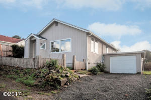 1436 NE 13th St., Lincoln City, OR 97367 - Curbside