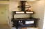 2959 SW Beach Ave, Lincoln City, OR 97367 - Stove