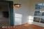 2959 SW Beach Ave, Lincoln City, OR 97367 - Enclosed entry porch