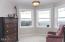 450 NE 70th Pl, Newport, OR 97365 - sitting room