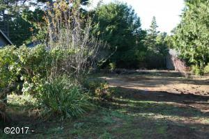 LOT 218 Palisades Dr, Lincoln City, OR 97367 - Nice Level Lot