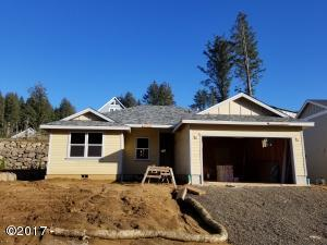 4184 SE Inlet Ave, Lincoln City, OR 97367 - Front