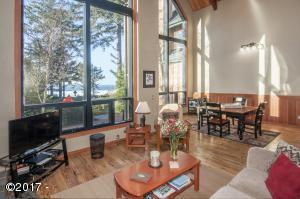 3360 NW Oceanview Dr., #A, Newport, OR 97365 - Great Room