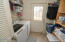 2067 SE Hemlock Ct, Lincoln City, OR 97367 - Laundry room