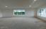 6090 NE Evergreen Ln, Newport, OR 97365 - Large Living room